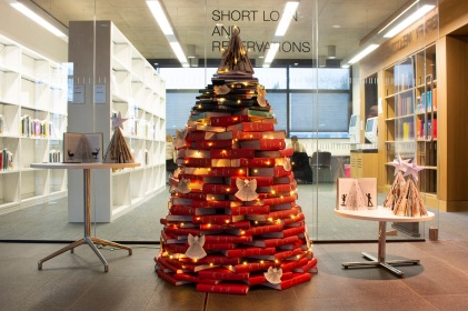Brookes library book Christmas tree 19